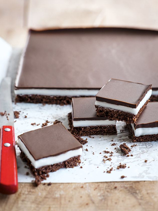 FAMILY FAVOURITE CHOC-PEPPERMINT SLICE