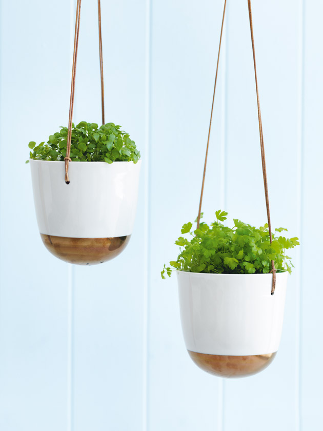 GIFT IDEAS PORCELAIN DOME HANGING PLANTERS