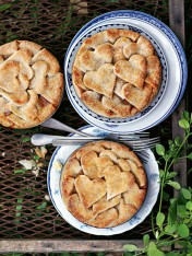 fig and almond pies