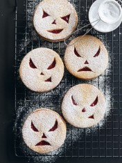 halloween wicked cookie sandwiches