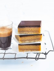 basic caramel slice
