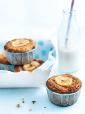 mini banana and choc-chip muffins