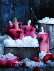 raspberry, thyme and lemonade popsicles