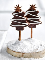 rum and raisin brownie christmas trees