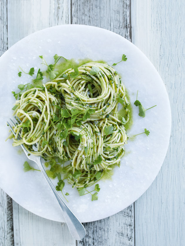 Char Grilled Asparagus And Parsley Pesto Pasta | Donna Hay