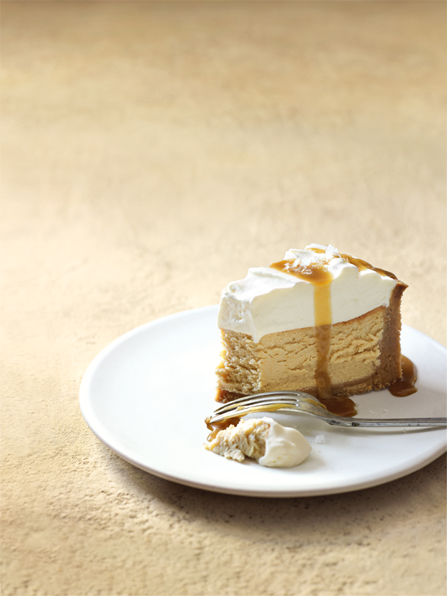 home / recipes / / salted caramel and vanilla baked cheesecake