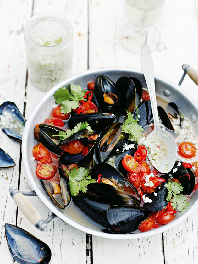 spicy tomato mussels with coconut sambal