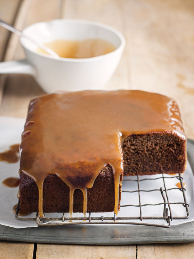 tamarind date cake with cardamom icing - De La Casa