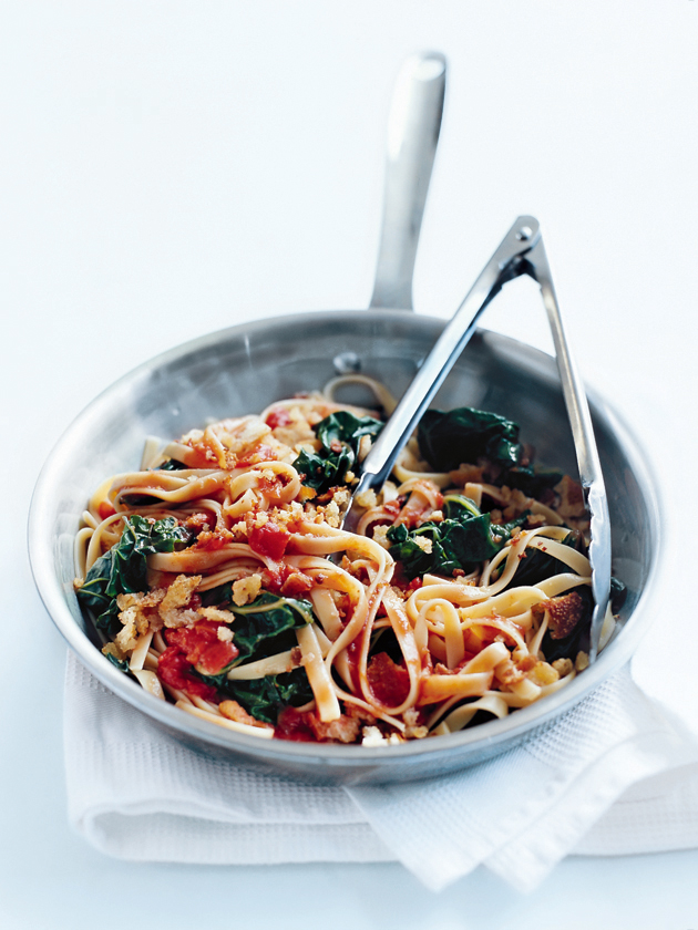 tomato and crispy garlic fettuccine