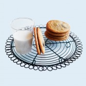 vintage-inspired cooling rack – round