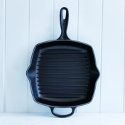 Le Creuset 26cm square grillit in satin black
