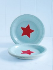 paper cake plates – blue with red star