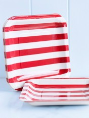 striped paper plates – red