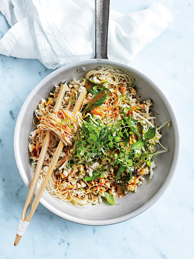NOODLE BOWL LEMONGRASS FISH LARB NOODLES WITH CHILLI DRESSING