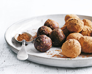 date, almond and cacao bliss balls video
